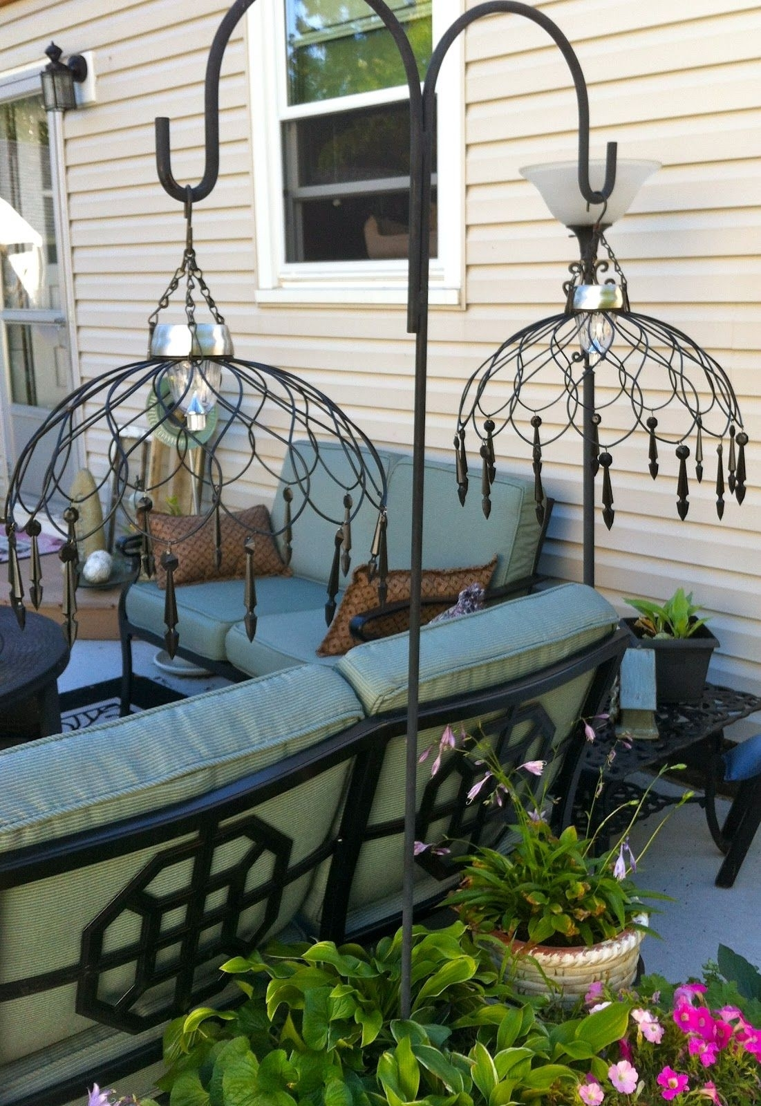 Love The Lamps, Made From Wire Baskets And Solar Lights With Regard To Outdoor Hanging Basket Lights (#13 of 15)