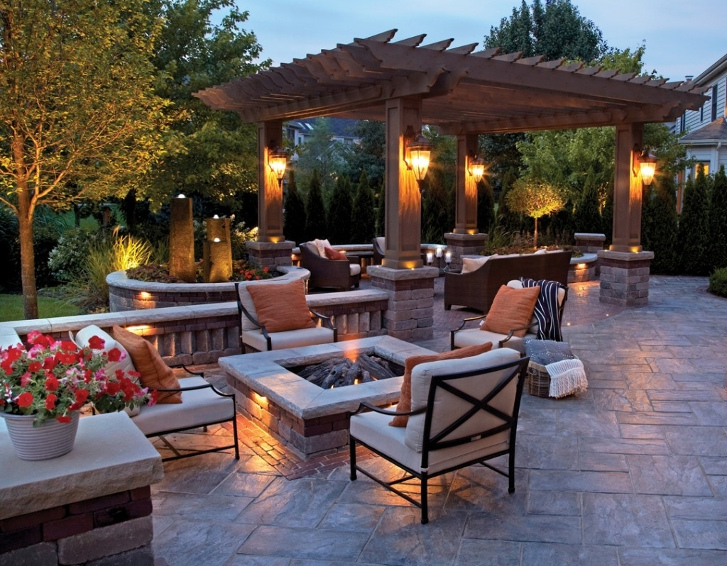 Metal Outdoor Floor Lamp With Laminate For Modern Backyard Design With Modern Patio Outdoor Light Fixtures (#8 of 15)