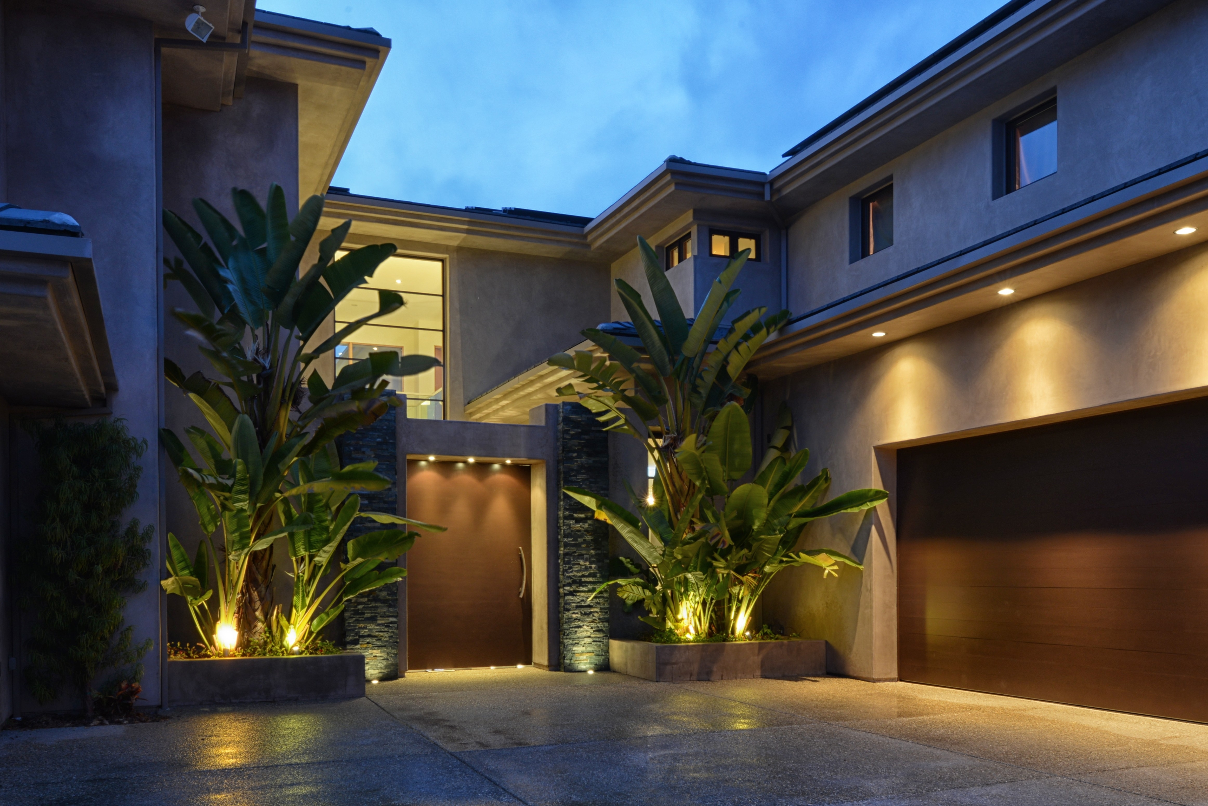 Modern Outdoor Lighting For Dramatic Exterior Appearance – Ruchi Designs With Modern Outdoor Lighting (#14 of 15)