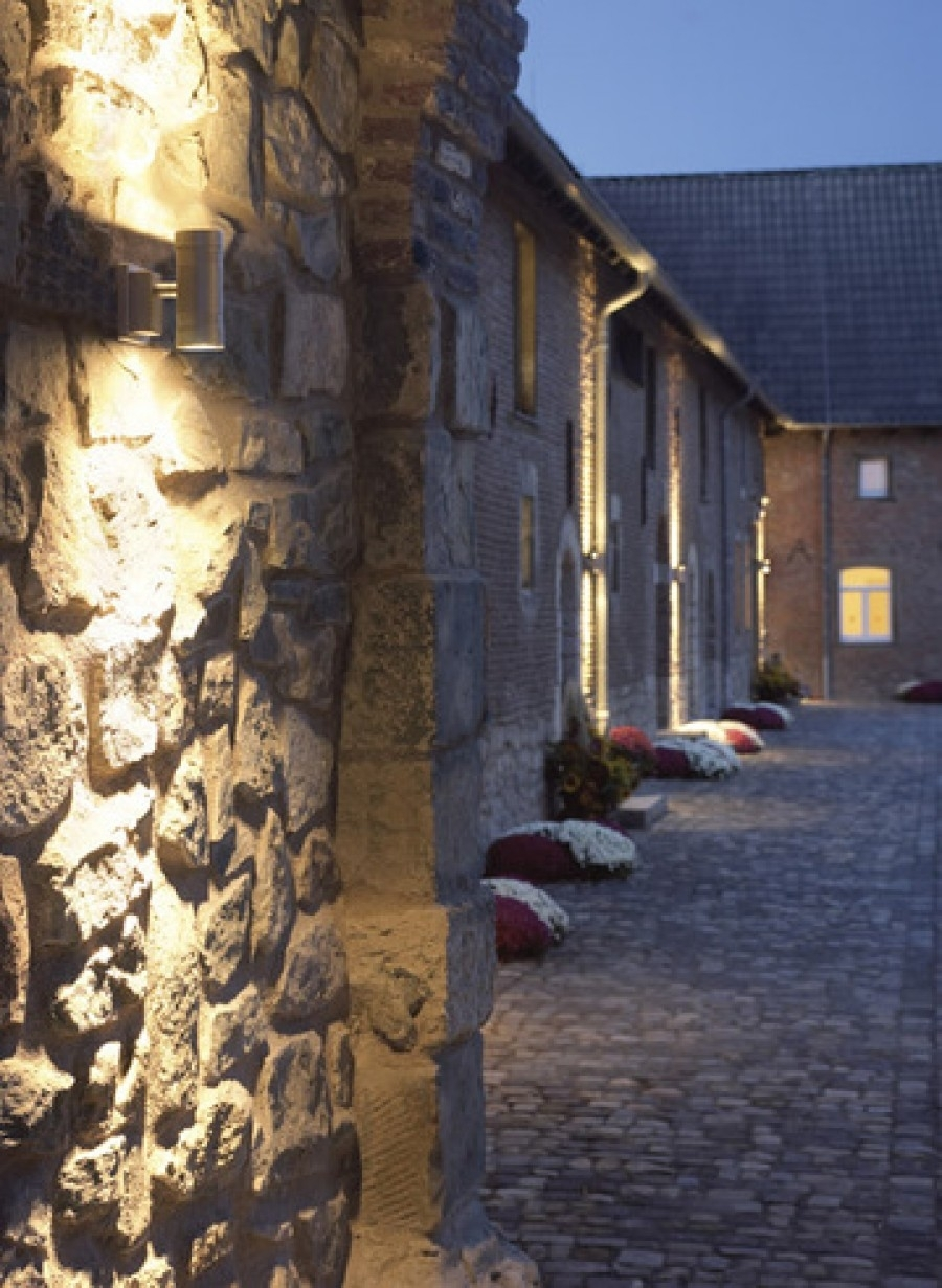 Outdoor And Patio: Exterior Wall Lighting Design Ideas With White For Outdoor Rock Wall Lighting (View 7 of 15)