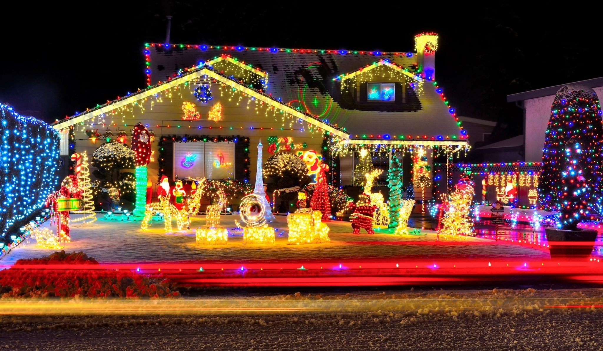 Inspiration about Tips For Hanging Outdoor Christmas Lights | Indianapolis Clog Free Pertaining To Hanging Outdoor Holiday Lights (#7 of 15)