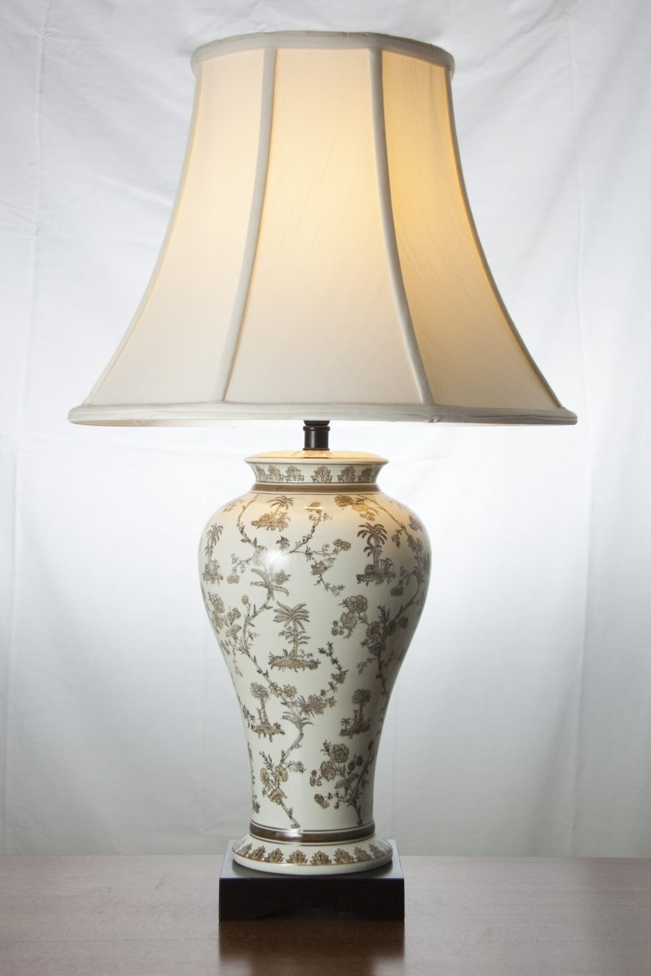 Traditional Living Room Table Lamps Interior Design, Classic Table Regarding Table Lamps For Traditional Living Room (View 12 of 15)