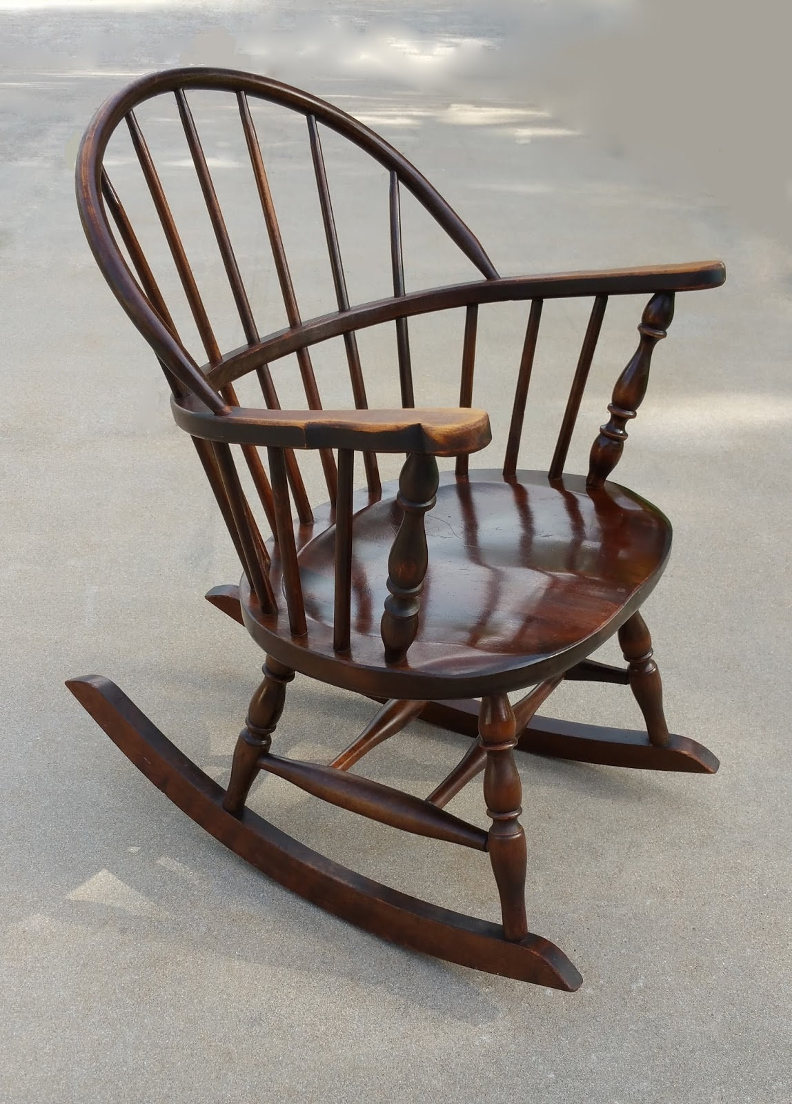 Antique Windsor Rocking Chair | Antique Furniture Regarding Antique Rocking Chairs (#8 of 15)