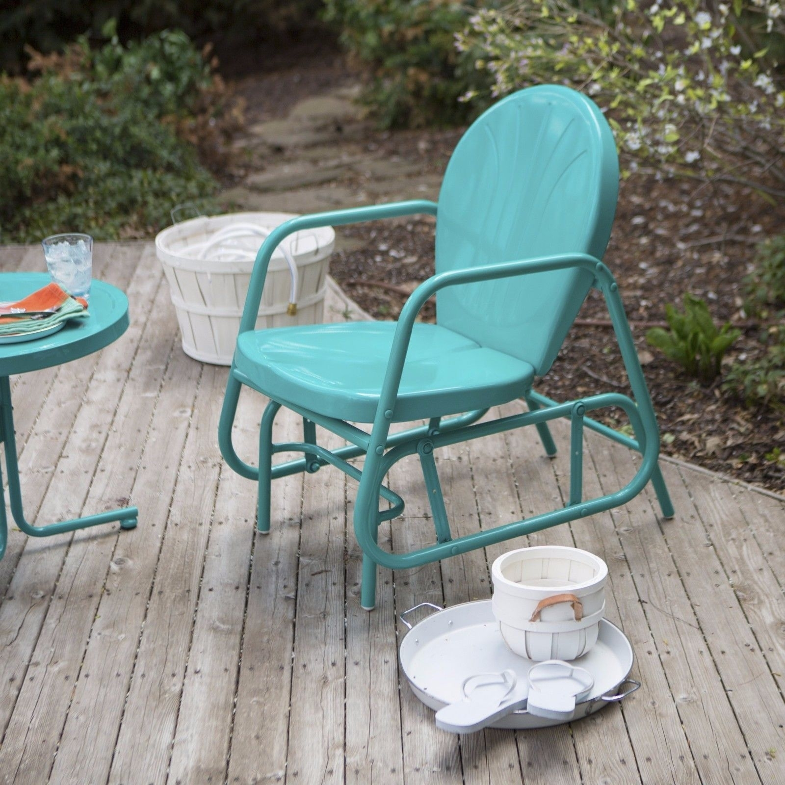 Backyard Garden Vintage – Champsbahrain Pertaining To Vintage Outdoor Rocking Chairs (View 15 of 15)