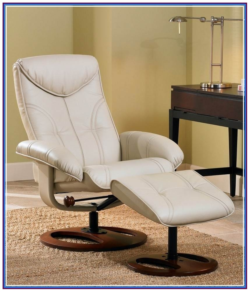 Best Rocking Chair For Small Space | Sofa And Chair Gallery Pertaining To Rocking Chairs For Small Spaces (#3 of 15)