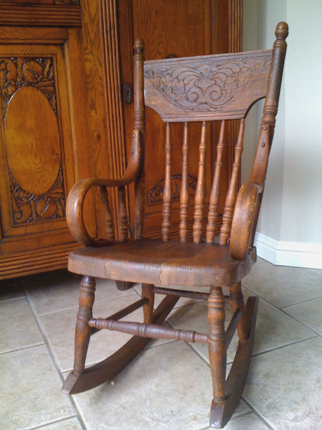 Elegant Old Fashioned Rocking Chair In Antique Child Furniture Within Old Fashioned Rocking Chairs (#6 of 15)