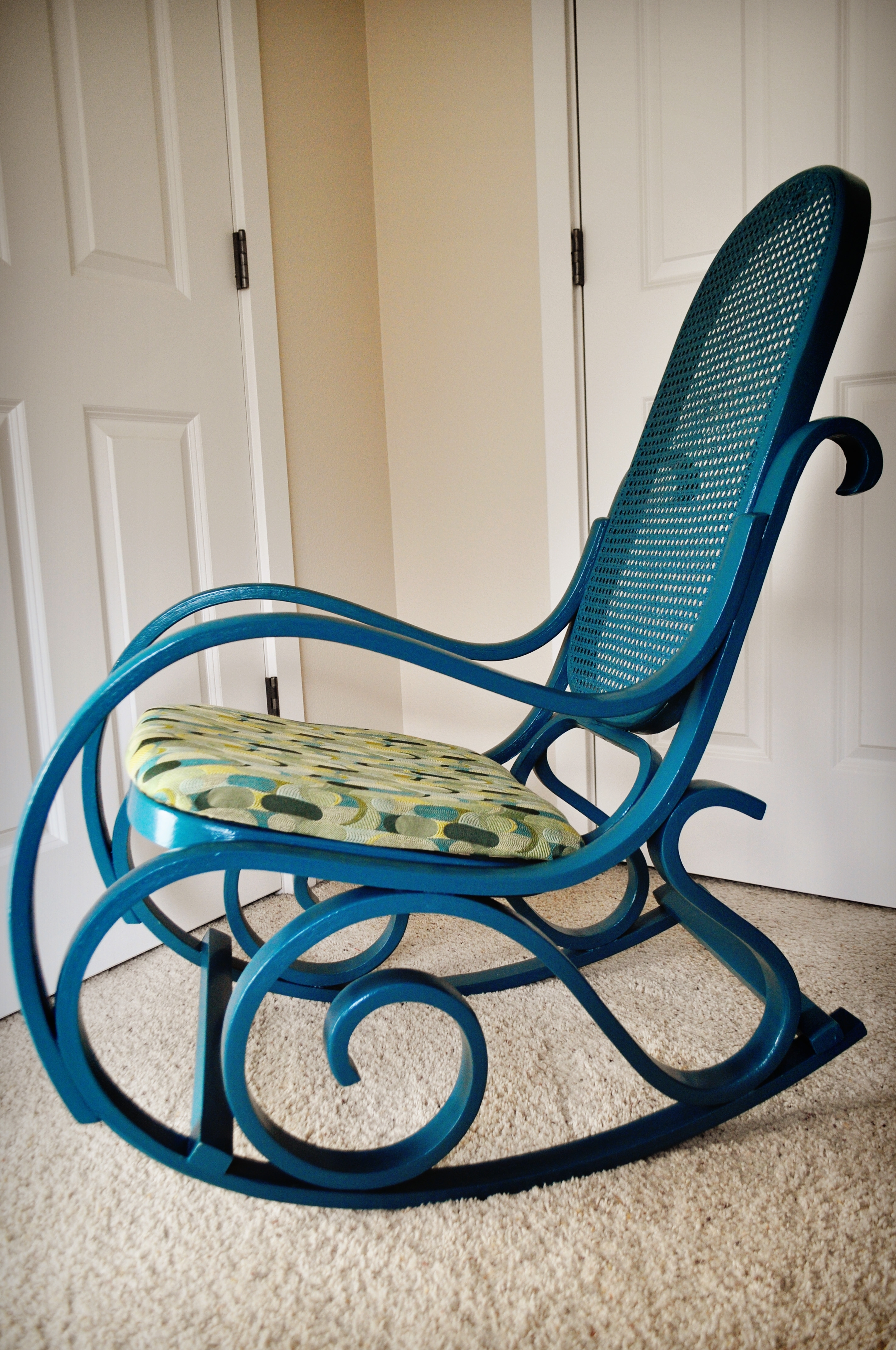 Furniture: Antique Wicker Rocking Chair Design Within Vintage Wicker Rocking Chairs (#3 of 15)