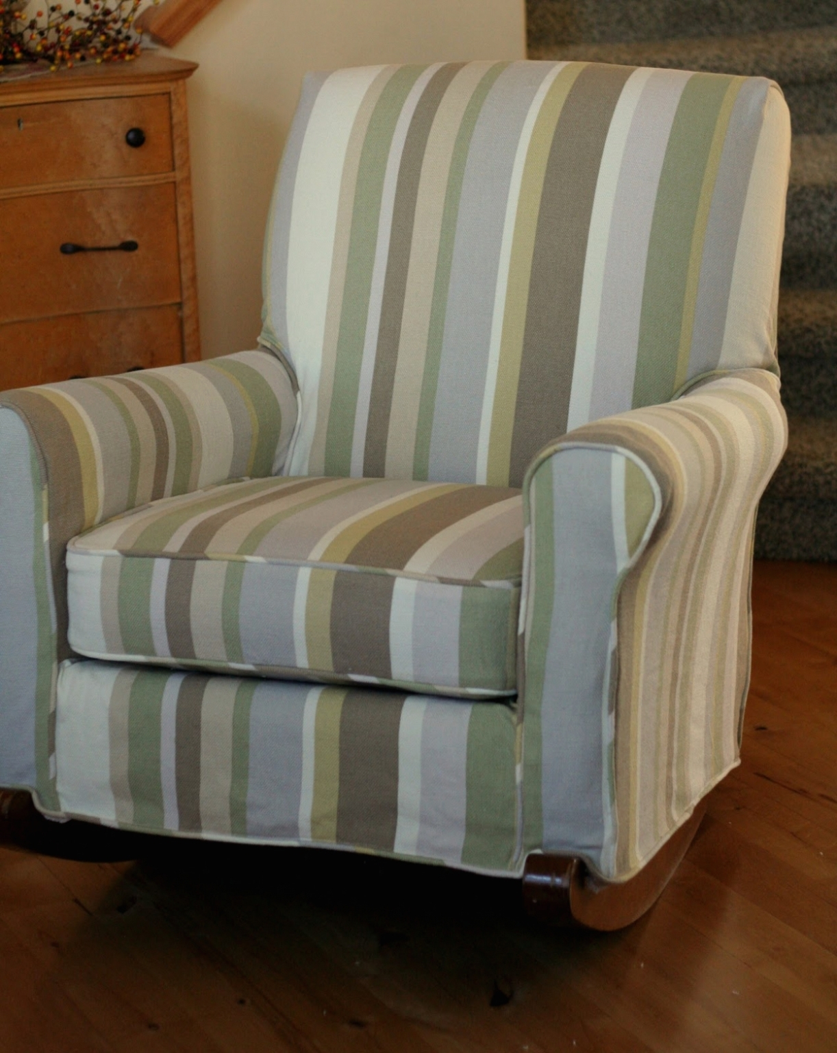 Furniture: Table & Chair: Upholstered Rocking Chair Covers • Chair In Upholstered Rocking Chairs (View 12 of 15)