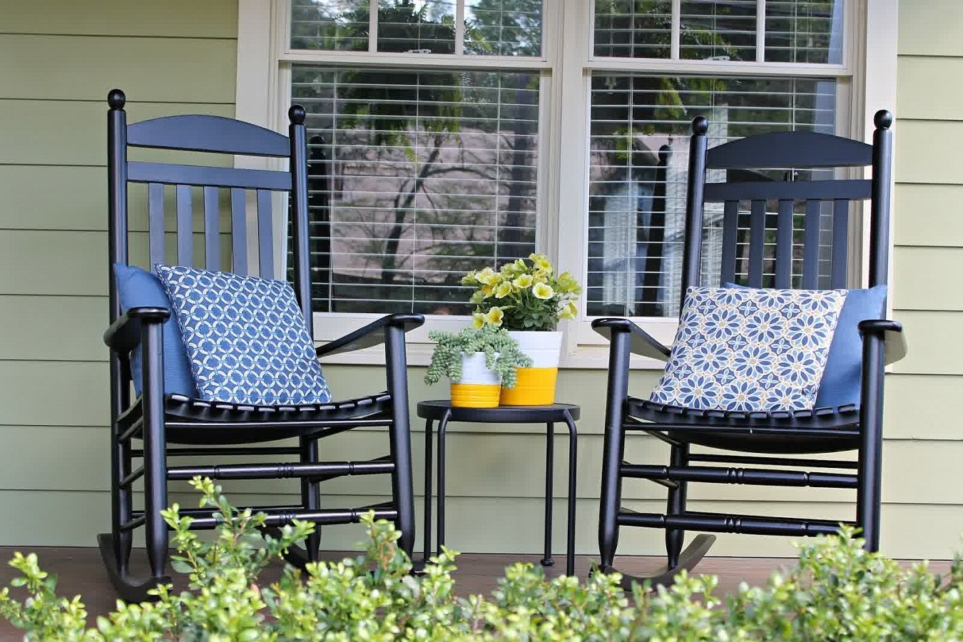 Modern Outdoor Rocking Chair Cushions — Wilson Home Ideas Pertaining To Yellow Outdoor Rocking Chairs (#5 of 15)