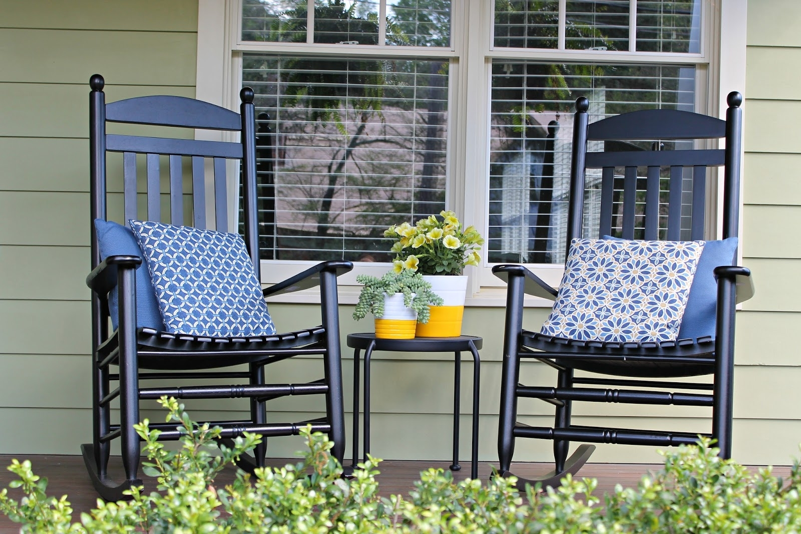 Inspiration about The Iconic Style Of The Rocking Chair For Rocking Chairs For Front Porch (#3 of 15)