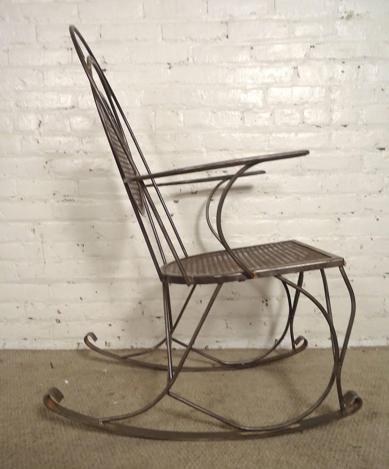 Vintage Outdoor Metal Rocking Chairs – Outdoor Designs With Vintage Outdoor Rocking Chairs (View 13 of 15)