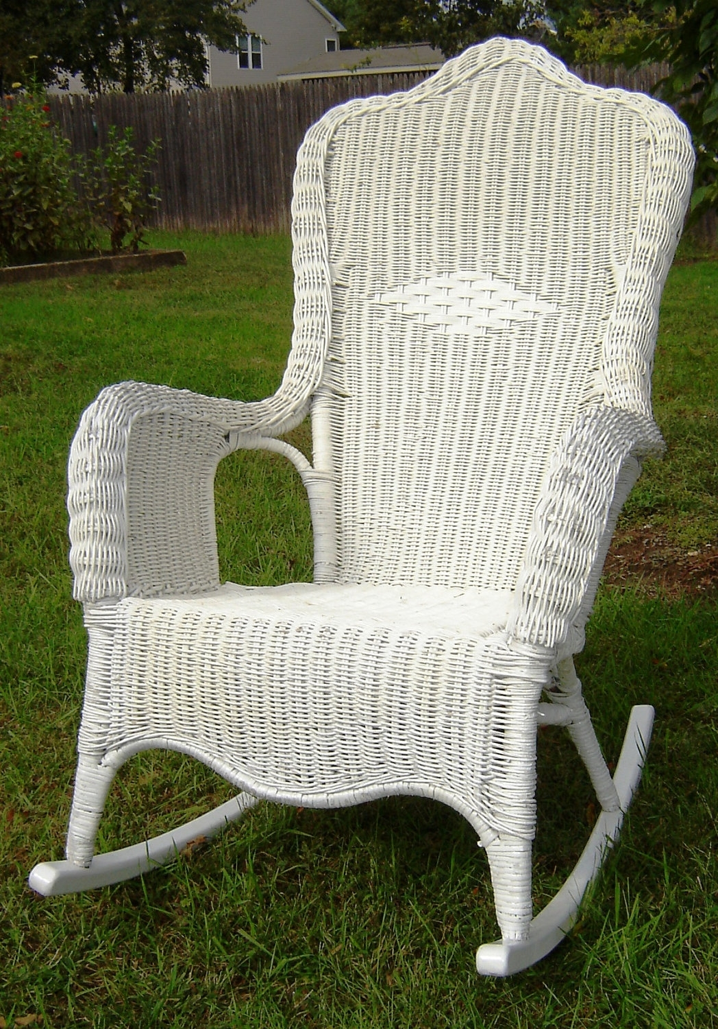 Vintage White Wicker Rocking Chair — Wilson Home Ideas : Choosing A Intended For White Patio Rocking Chairs (#14 of 15)