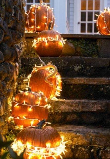 26 Cozy Fall Décor Ideas With Lights – Shelterness Regarding Outdoor Pumpkin Lanterns (View 15 of 15)