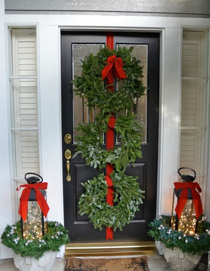 35 Cool Christmas Lanterns Decor Ideas For Outdoors – Gardenoholic Throughout Outdoor Lanterns For Christmas (View 3 of 15)