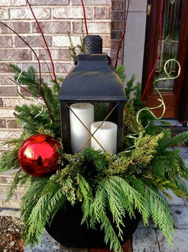 Inspiration about 35 Cool Christmas Lanterns Decor Ideas For Outdoors – Gardenoholic Within Outdoor Lanterns For Christmas (#7 of 15)