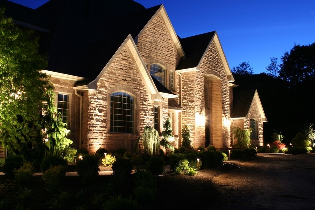 75 Beautiful And Artistic Outdoor Lighting Ideas | Outdoor Lighting In Outdoor Landscape Lanterns (View 6 of 15)
