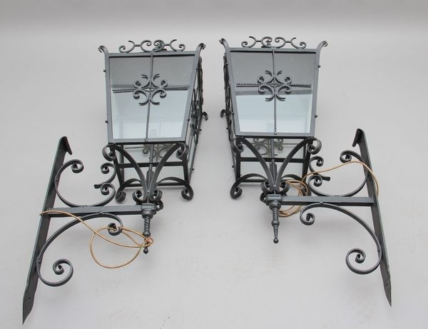 Antique Outdoor Lanterns – The Uk's Premier Antiques Portal – Online Pertaining To Antique Outdoor Lanterns (View 2 of 15)