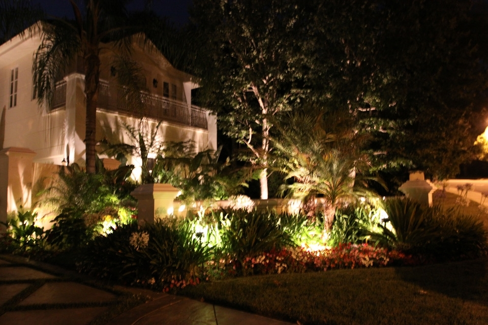 Custom Outdoor Lighting Outdoor Low Voltage Landscape Lighting For Outdoor Yard Lanterns (View 2 of 15)