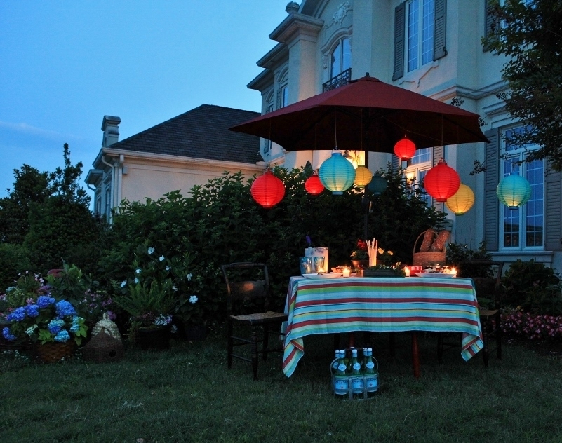 How To Decorate With Paper Lanterns Outside Inside Outdoor Paper Lanterns For Patio (#6 of 15)
