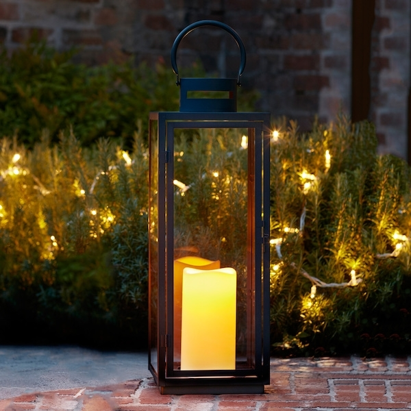 Malvern Large Battery Outdoor Lantern | Lights4fun.co (View 10 of 15)