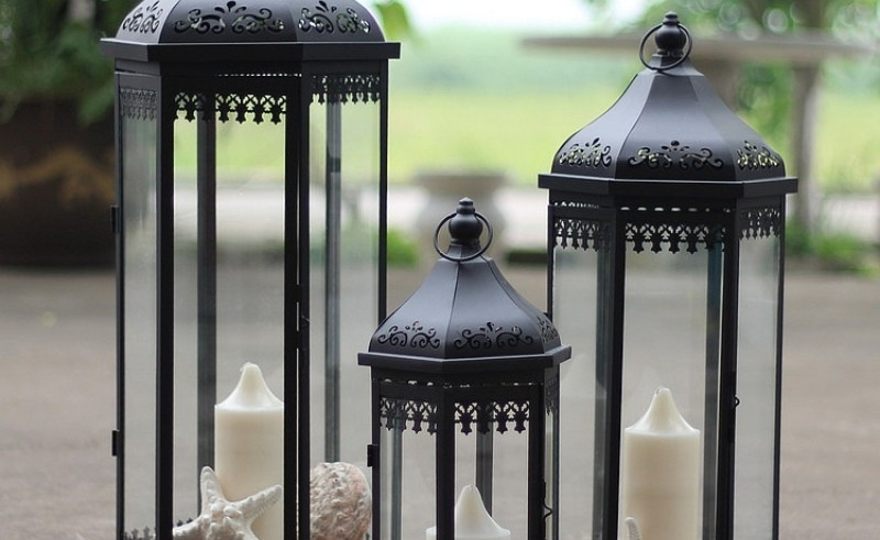 Outdoor Candle Lantern Stands – Easy Home Decorating Ideas For Outdoor Standing Lanterns (View 13 of 15)