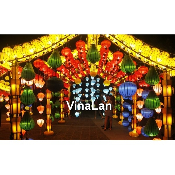 Vietnam Silk Lanterns For Outdoor Wedding Decoration – Lanterns For For Outdoor Vietnamese Lanterns (View 6 of 15)