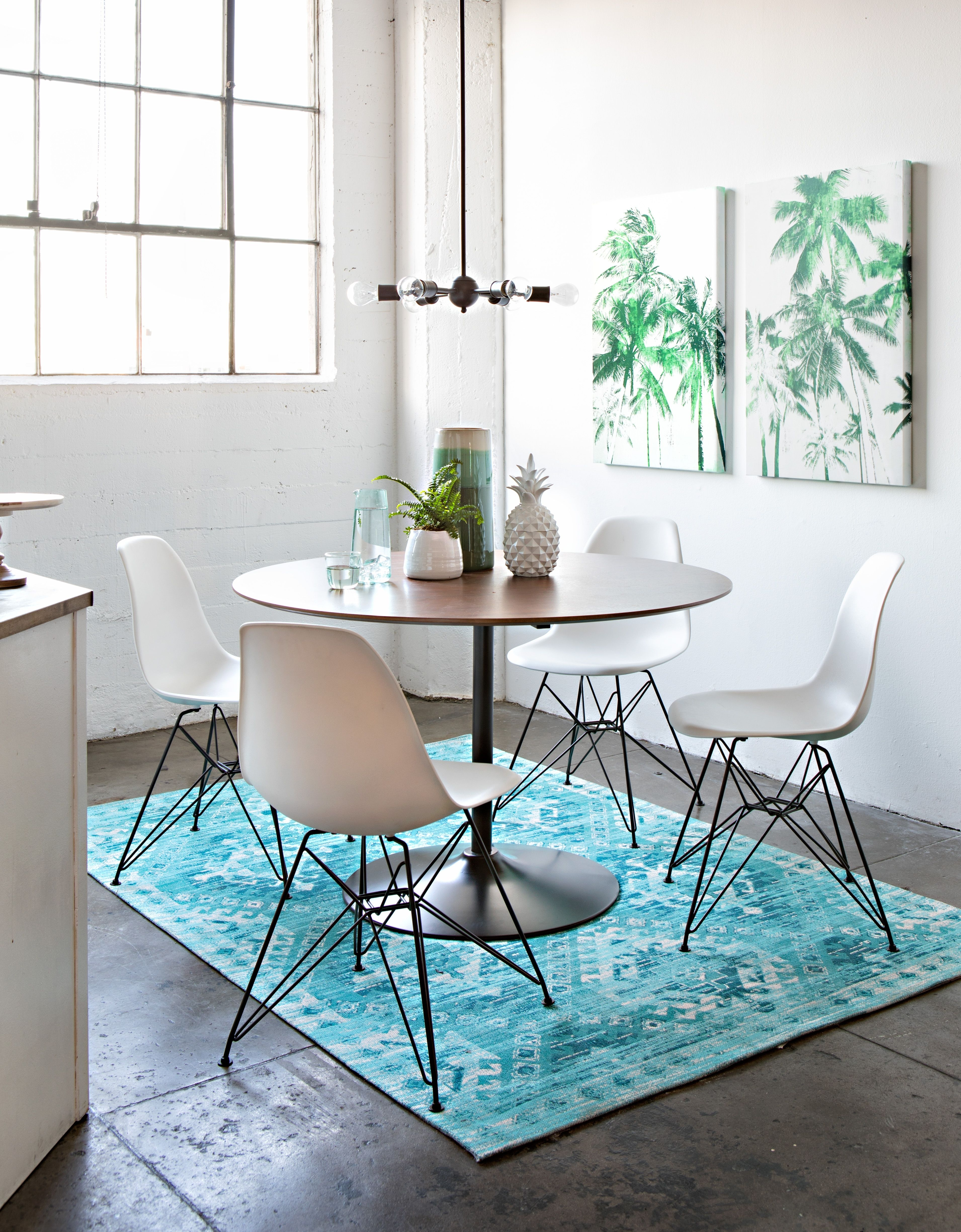 Dining Throughout Newest Alexa White Side Chairs (#8 of 20)