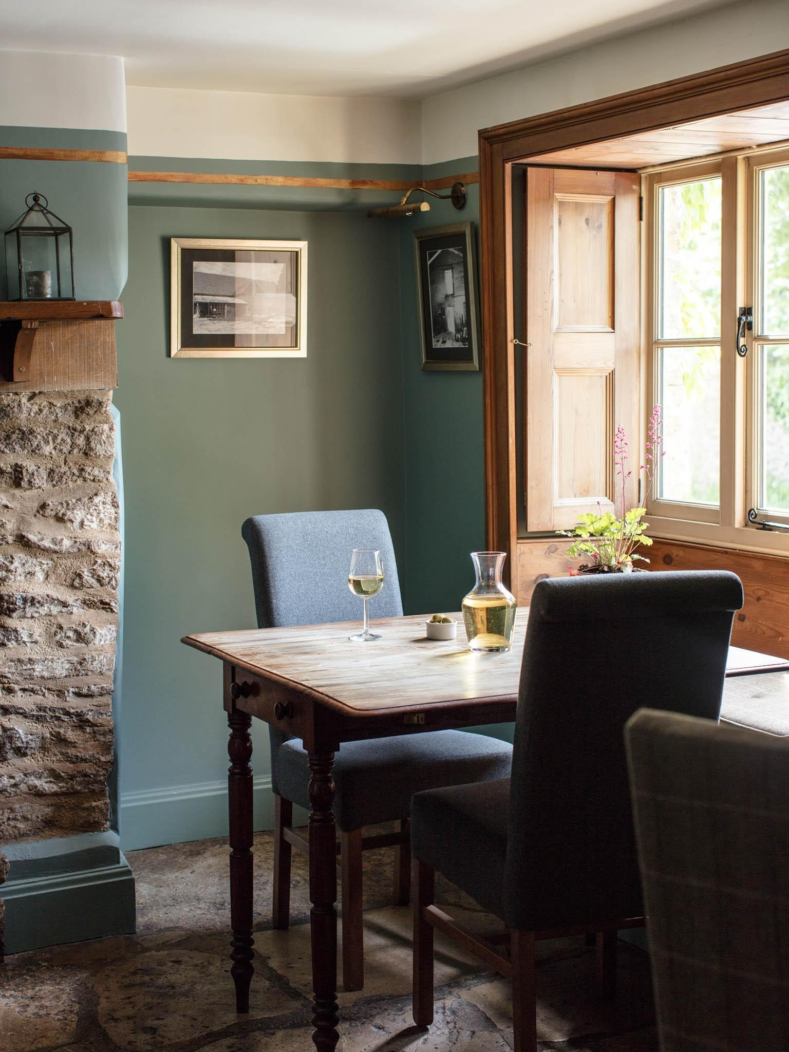 Favorite Celler Teal Side Chairs With Regard To The Swan, Southrop, Restaurant Review: Do Village Pubs Come More (#10 of 20)