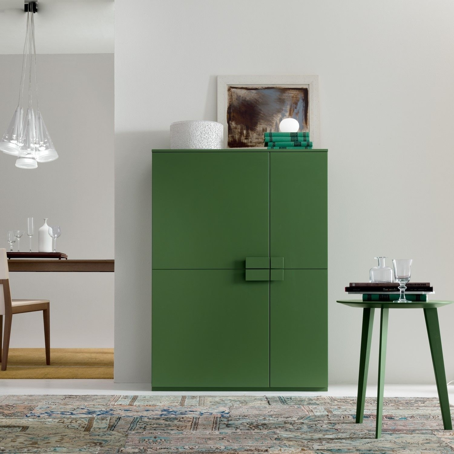 Madia Alta Con 4 Ante Asimmetriche Fast, Disponibile Anche In Inside Most Recent Rani 4 Door Sideboards (#9 of 20)