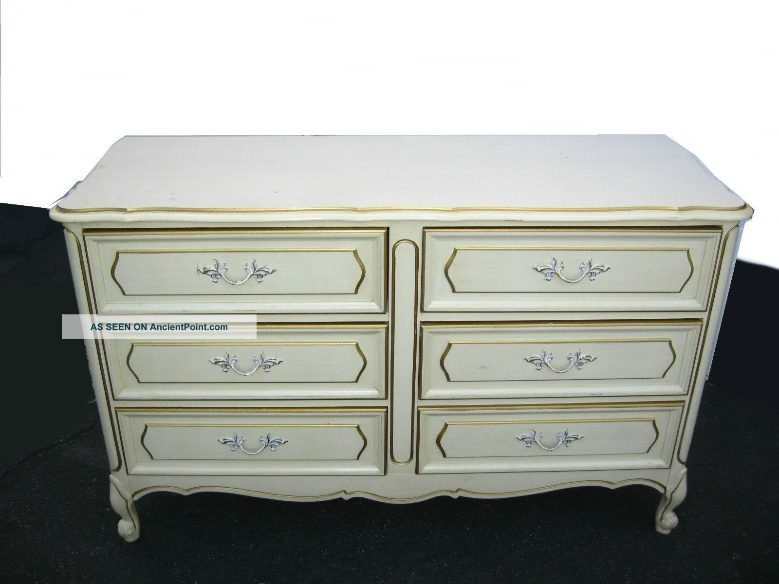 Vintage Henry Link French Provincial Off White Dresser W/ 6 Drawers Throughout Most Current Helms Sideboards (View 3 of 20)