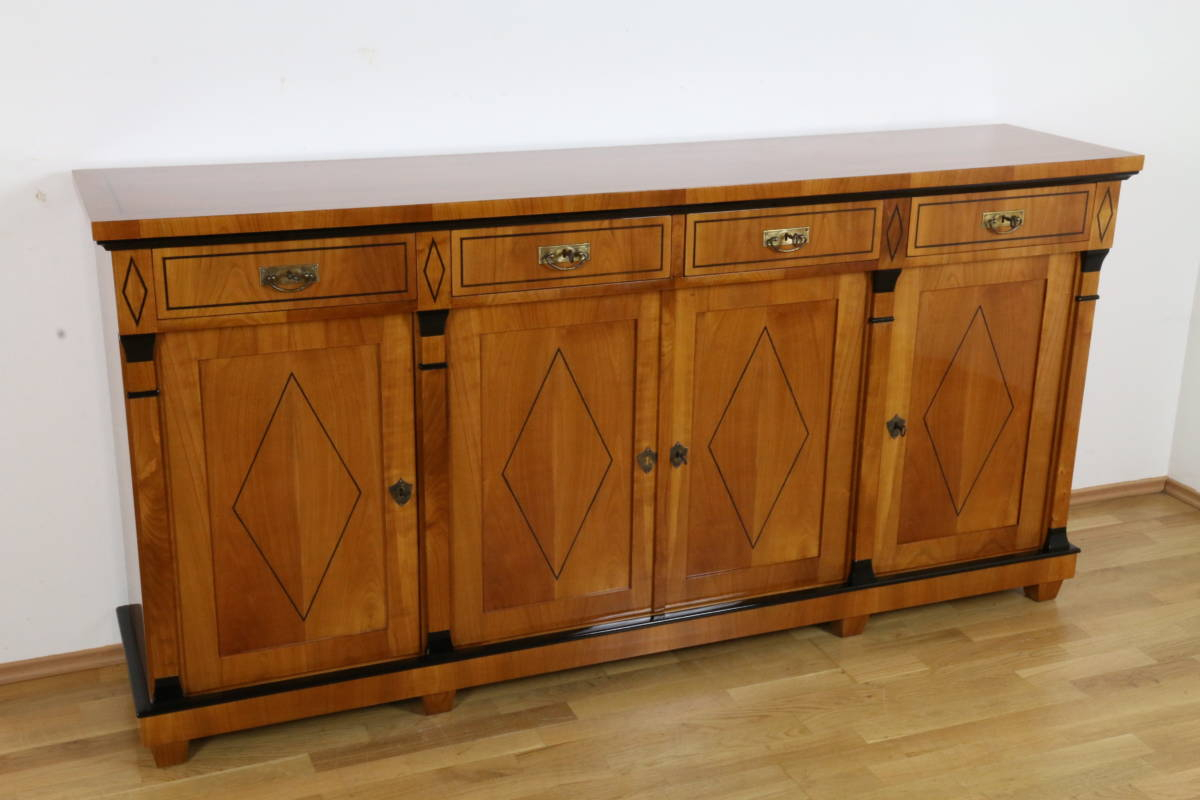Biedermeier Anrichte Oder Sideboard Mit Vier Türen In Kirschbaum. Exklusives Handgefertigtes Stilmöbel (View 10 of 20)