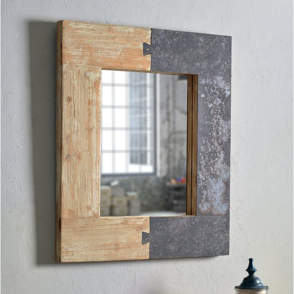 Norma Accent Mirror For Polen Traditional Wall Mirrors (#5 of 20)