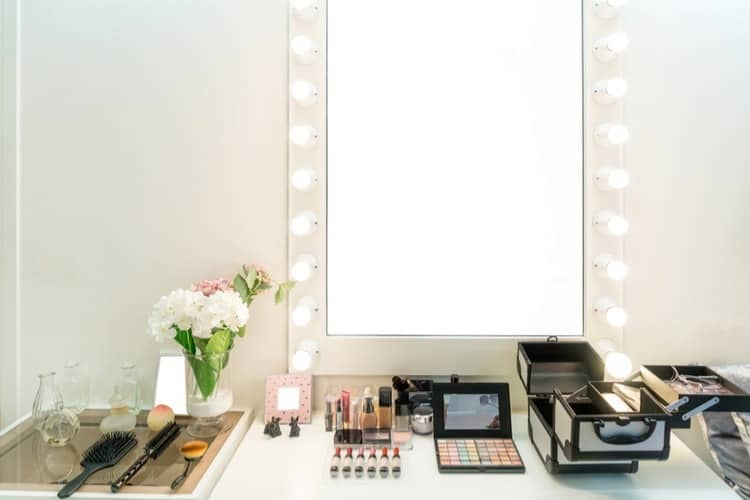 Inspiration about The Best Vanity Mirrors With Lights 2019 – Smart Style Today For Vanity Mirrors (#19 of 20)