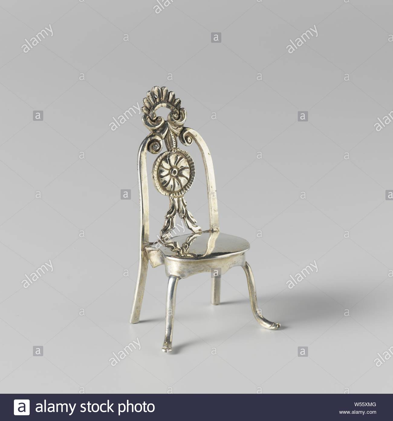 Crowned Chair Stock Photos & Crowned Chair Stock Images – Alamy In Newcombe Warm Brown Windsor Rocking Chairs (#8 of 20)