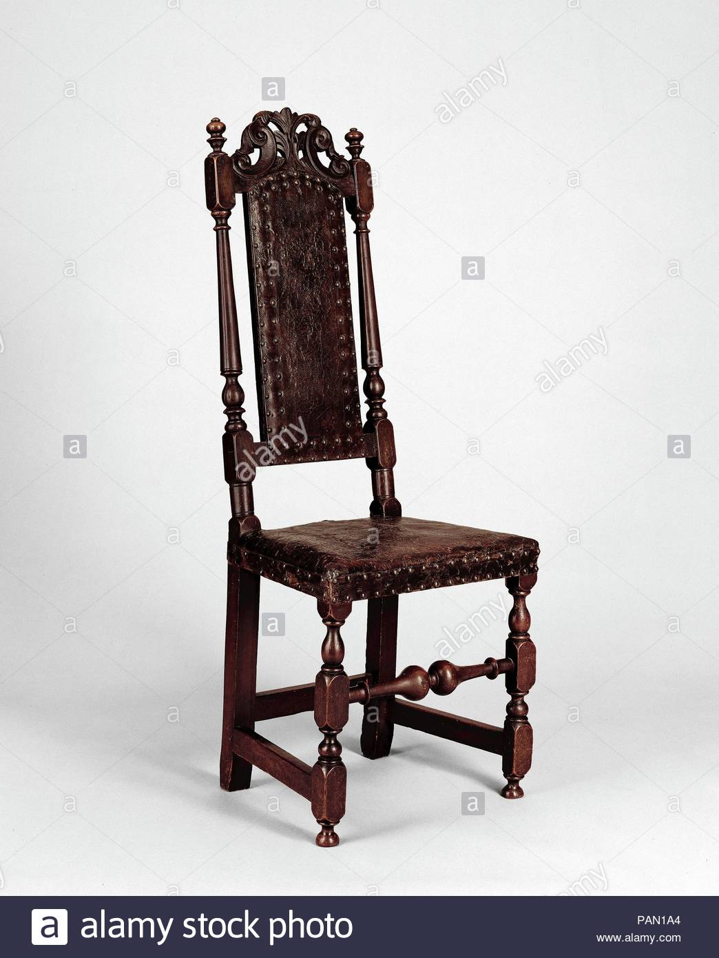 Crowned Chair Stock Photos & Crowned Chair Stock Images – Alamy With Newcombe Warm Brown Windsor Rocking Chairs (#12 of 20)