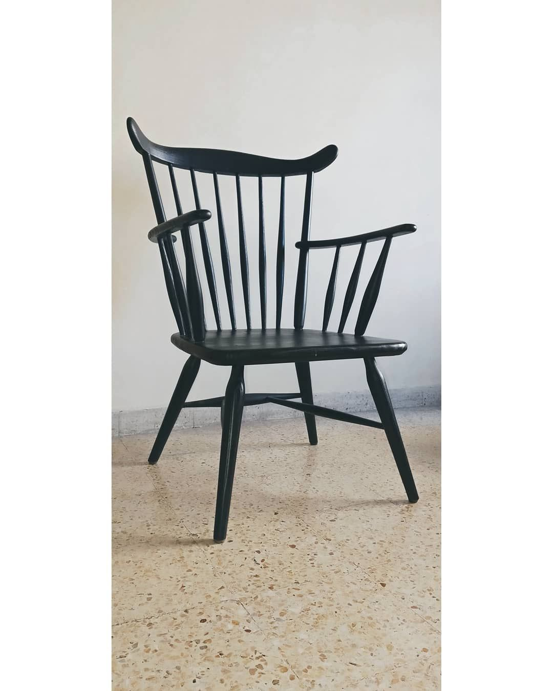 Modern Fan Back Windsor Chair Painted Black Made In India Intended For Black Back Windsor Rocking Chairs (#10 of 20)