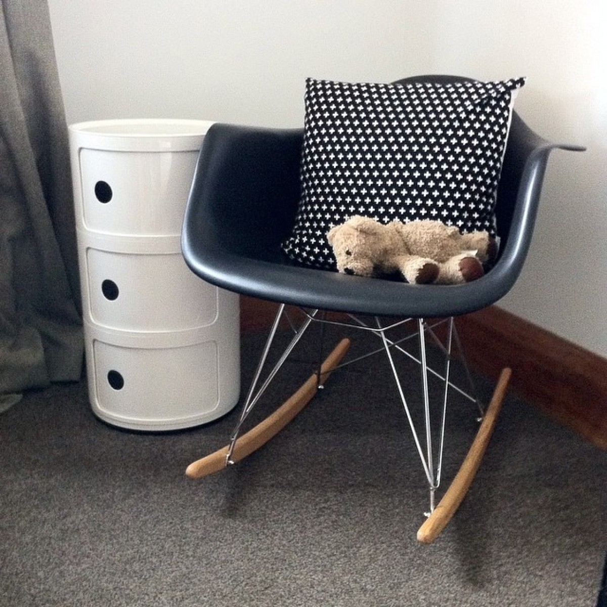 Rar Molded Black Plastic Rocking Chair With Steel Eiffel Legs Within Black Plastic Rocking Chairs (#18 of 20)