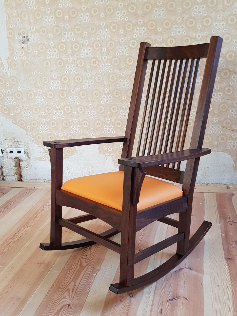 Schaukelstuhl / Rocking Chair Throughout Dark Walnut Brown Wooden Rocking Chairs (#17 of 20)