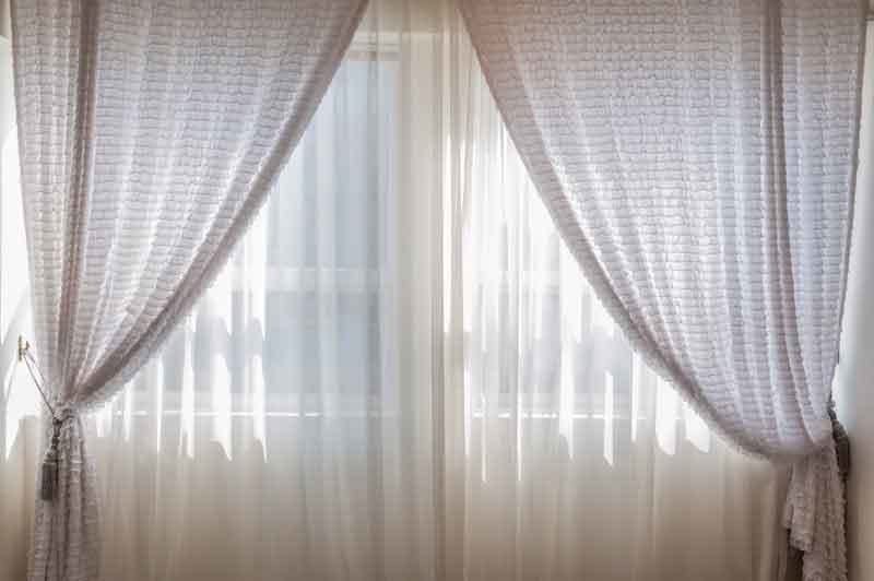 Best Soundproof Curtains 2019 (Noise Reducing & Sound Absorbing) Inside Heavy Faux Linen Single Curtain Panels (View 3 of 32)
