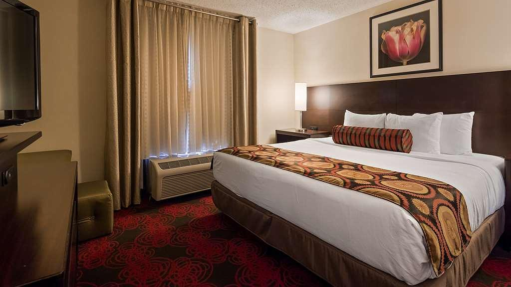 Hotel In Nashville | Best Western Suites Near Opryland In Grainger Buffalo Check Blackout Window Curtains (View 24 of 50)