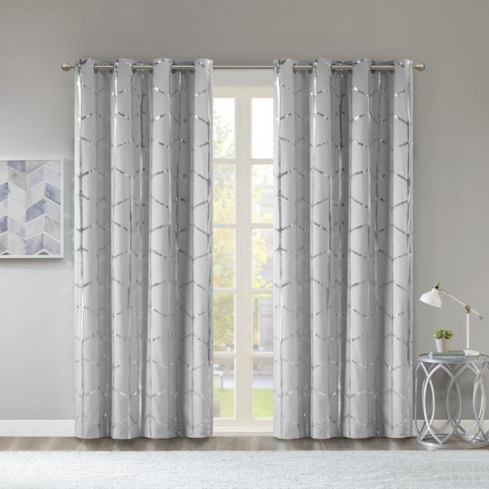 "Raina 50x84"" Total Blackout Metallic Print Grommet Top Curtain Panel – Intelligent Design Id40 1405 Inside Total Blackout Metallic Print Grommet Top Curtain Panels (View 2 of 50)"