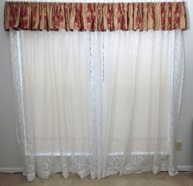 White Lace Curtains – Tipscout In Luxurious Old World Style Lace Window Curtain Panels (View 29 of 50)