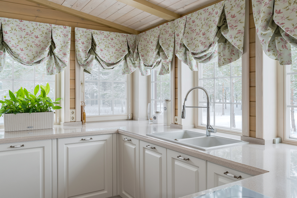20 Kitchen Curtain Ideas That Are Seriously Drool Worthy With Classic Kitchen Curtain Sets (View 4 of 50)