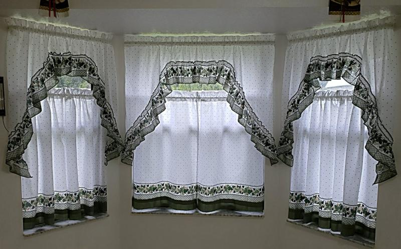 Chf & You Cottage Ivy Kitchen Curtains Tiers Inside Cottage Ivy Curtain Tiers (#14 of 49)