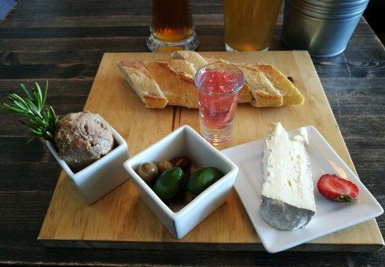 Edgar Bar Tables Inside Most Recently Released Edgar Cafe Bar, Sept Iles – Restaurant Reviews, Photos (#7 of 20)