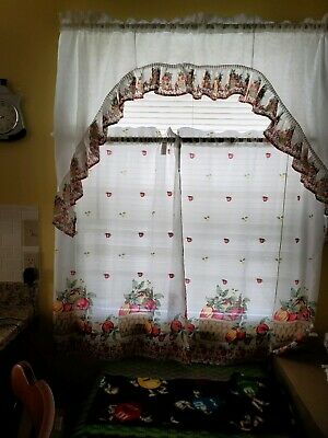 Embroidery Pink Tulip And Gold Butterfly Kitchen/cafe Pertaining To Cotton Blend Ivy Floral Tier Curtain And Swag Sets (View 15 of 30)