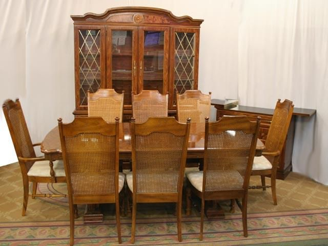 Famous Perfect Ideas Broyhill Dining Table Impressive Furniture Inside Hearst Oak Wood Dining Tables (#9 of 20)