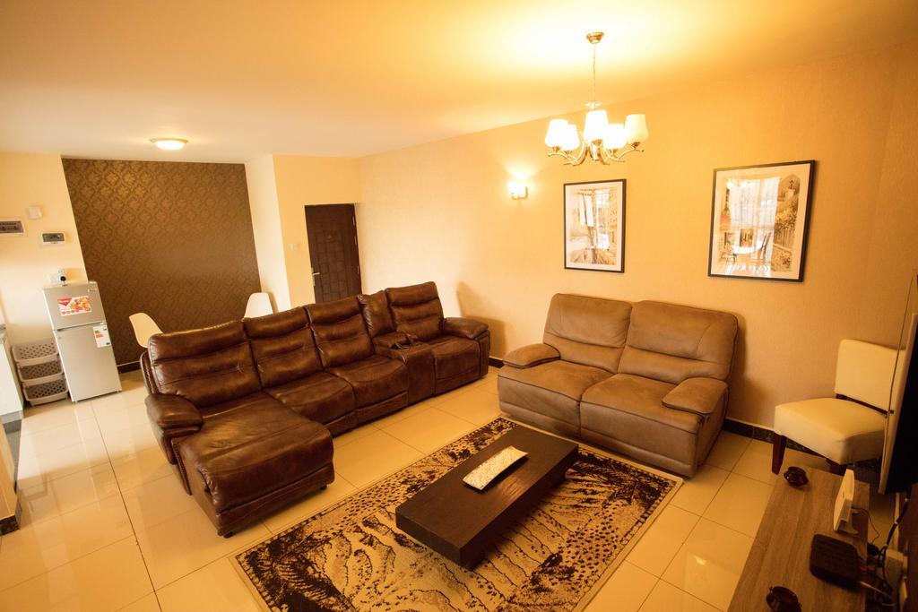 Ferienwohnung Oakwood Home Suites (Kenia Nairobi) – Booking Regarding Oakwood Linen Style Decorative Curtain Tier Sets (#12 of 30)