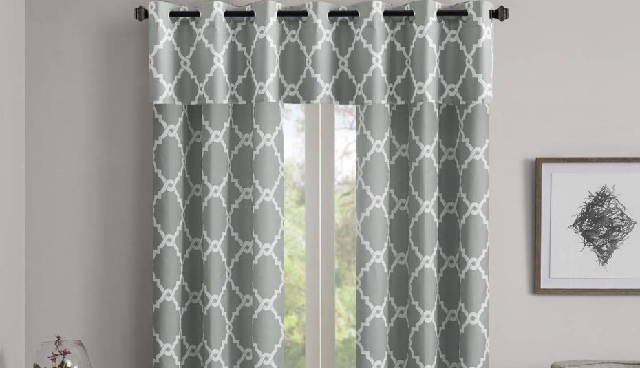 Glamorous Interiors Hang Valances And Curtains For Living For Classic Kitchen Curtain Sets (View 25 of 50)