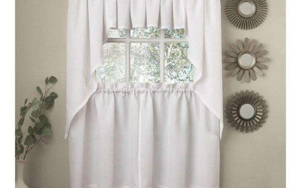 Hervorragend Red And White Swag Kitchen Curtains Simplicity With Kitchen Window Tier Sets (#25 of 50)